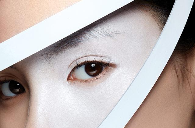 피부 나이 -3살! 눈가가 팽팽해지는 아이크림 의 썸네일 이미지