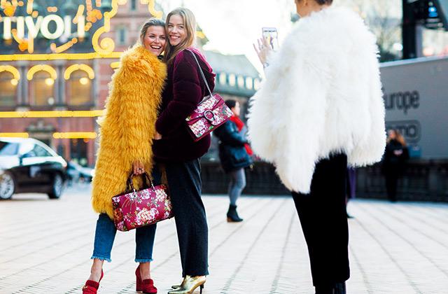 거리에서 만난 패션 스몸비들의 썸네일 이미지