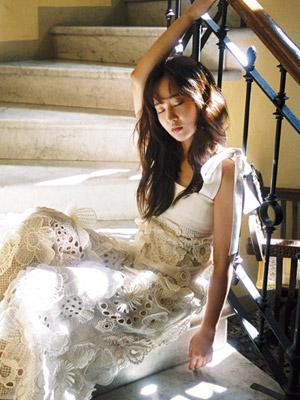 [SINGLES STAR] 유리가 꿈꾸는 홀리데이 룩