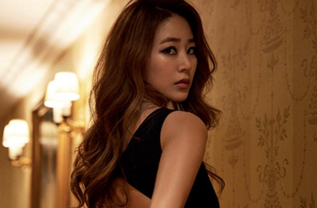 프리 드 디안 론진에 모습을 드러낸 김효진의 우아한 순간들. 의 썸네일 이미지