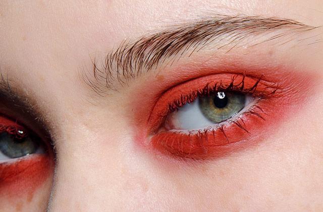 한겨울의 빨간 맛의 썸네일 이미지