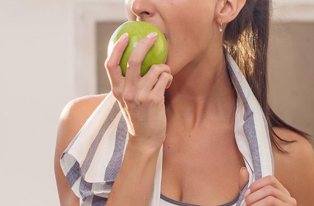 운동 전, 후 먹어도 되는 의외의 식단의 썸네일 이미지