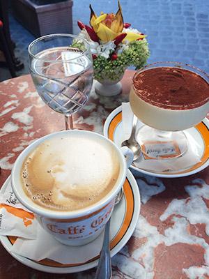 마셔도 마셔도 질리지 않는 커피, 그리고 카페 로드