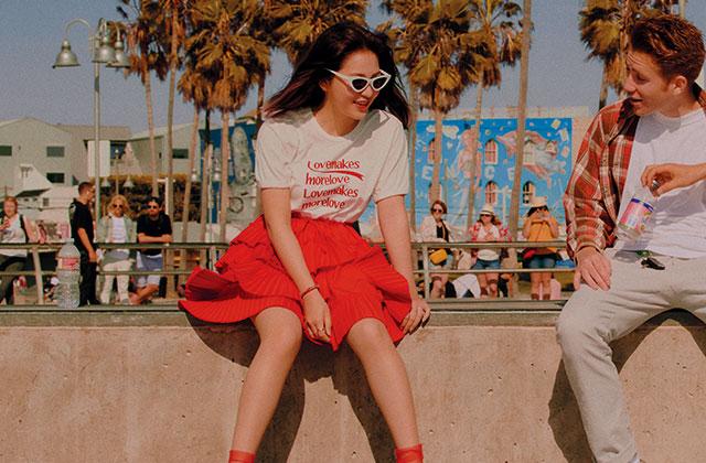 햇살보다 눈부신 스무살 소녀, 레드벨벳 예리의 싱글즈 6월호 패션 필름 <Shine on Me>를 지금 공개합니다.의 썸네일 이미지