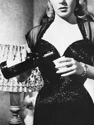 당신의 여름 술 얘기를 들려주세요