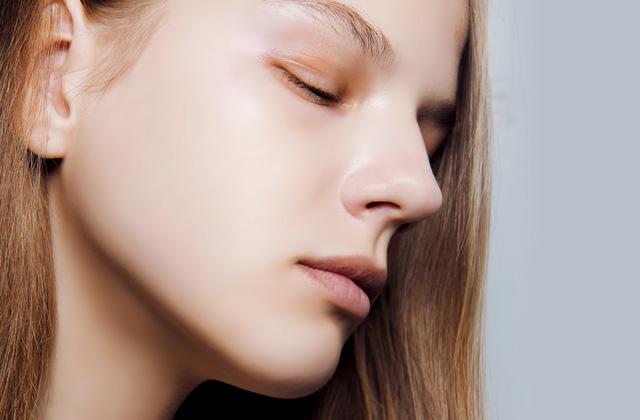 날아갈 듯 가볍게 표현하는 Airy Skin 메이크업의 썸네일 이미지