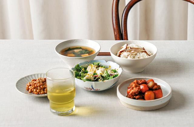 인플루언서의 혼밥 테이블의 썸네일 이미지