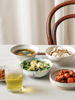 인플루언서의 혼밥 테이블