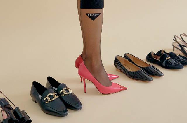 선명한 빛깔로 물든 신발의 썸네일 이미지