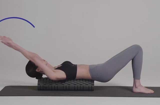폼롤러 하나로 4가지 운동을?의 썸네일 이미지