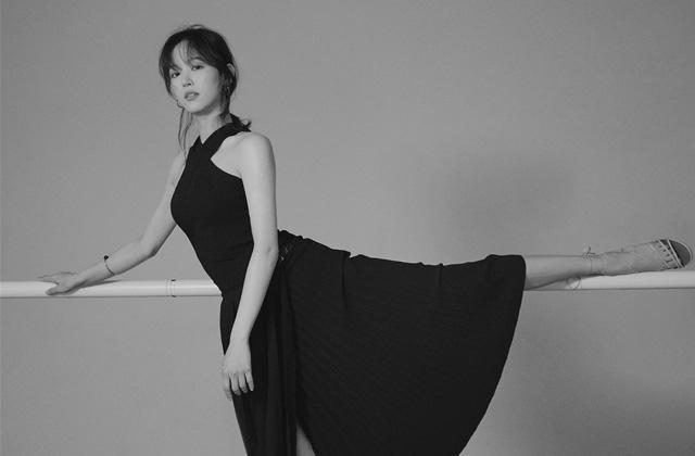 배우 강한나의 언어 의 썸네일 이미지