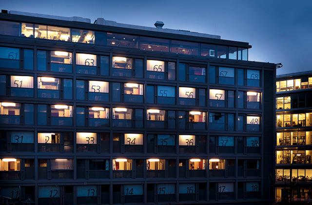 잠을 잃은 호텔, 밤을 그리다  의 썸네일 이미지