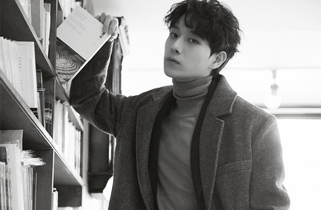 <어쩌다 발견한 하루>를 끝낸 배우 김영대를 상수동의 작은 북카페로 초대했다. 수줍고 낯가림이 심한 그는 아니러니하게도 이야기하는 것을 좋아한다. 할 말은 많아서, 조곤조곤한 말투로 생각을 정리한다.의 썸네일 이미지