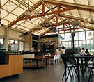 에디터 추천! 휴양지 콘셉트의 뉴 카페